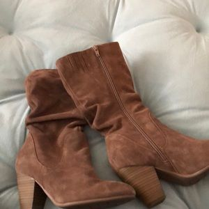 Women's taupe suede boots